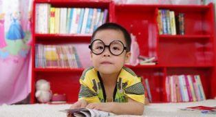 49fa434b4 100 alunos da rede municipal de educação ganham óculos de grau