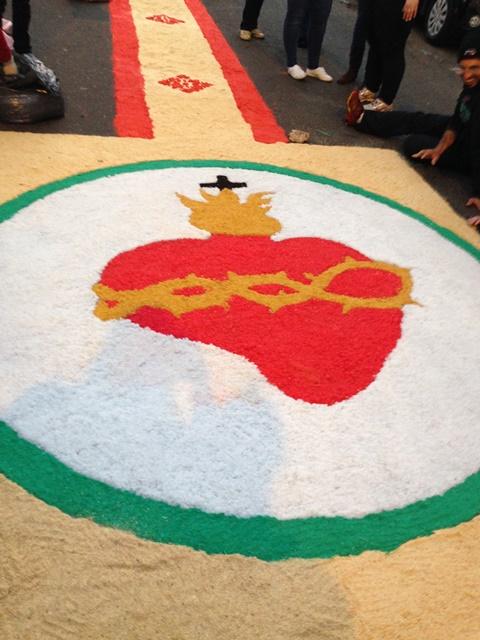 Imagens De Nossa Senhora Sao Destaque No Tapete De Corpus Christi